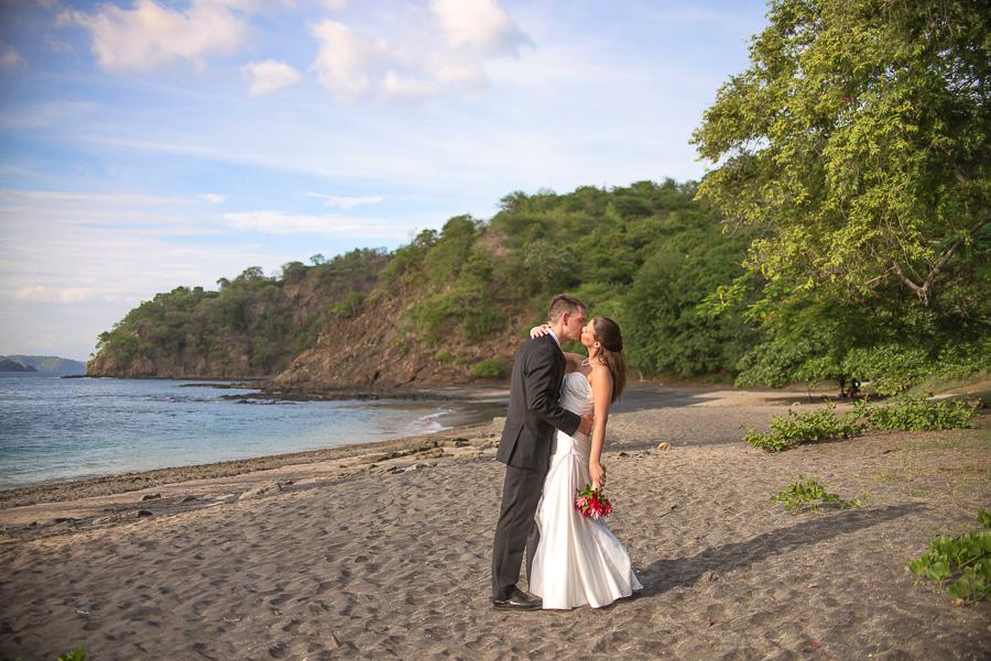 JL_Father_Rooster_Destination_Wedding_CostaRica_20