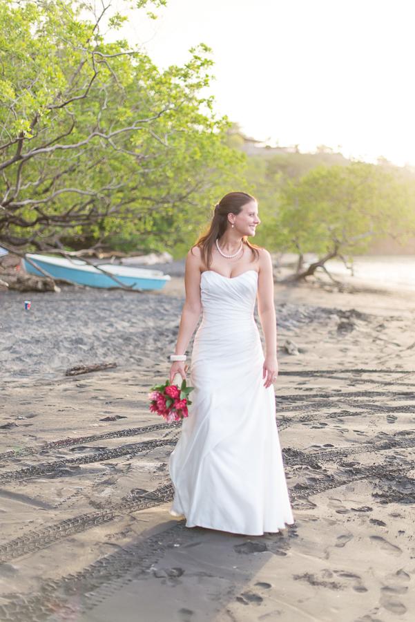 JL_Father_Rooster_Destination_Wedding_CostaRica_40