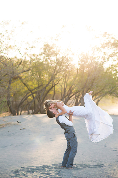 costa rica wedding trash the dress session